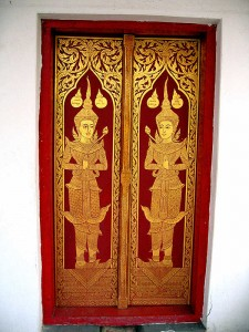 discrete love on a Chaing Mai temple door