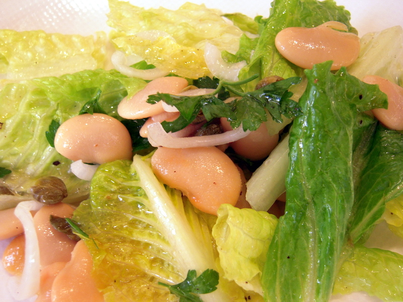 romaine and habas grandes salad ready to eat