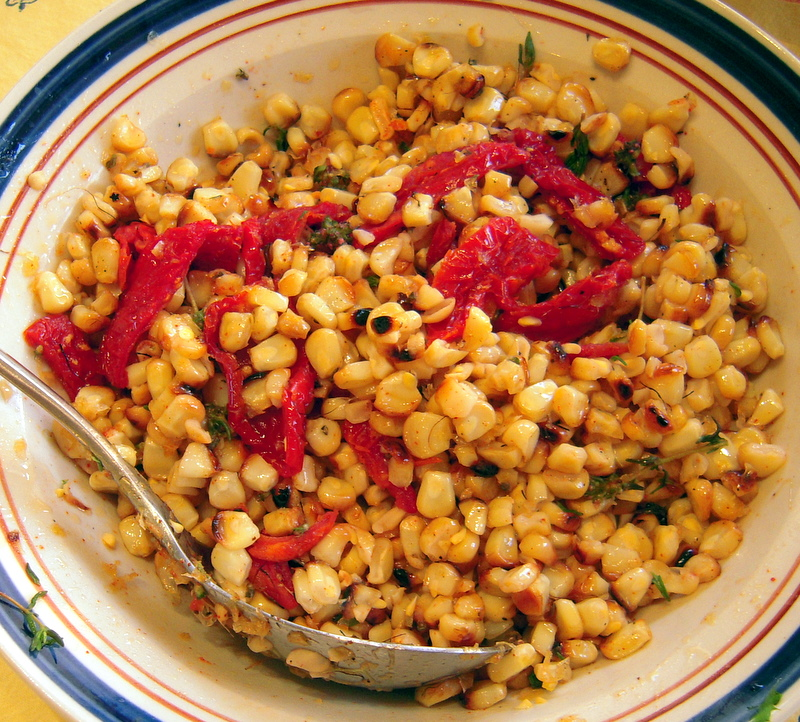 finished roasted sweet corn salad with sundried tomatoes