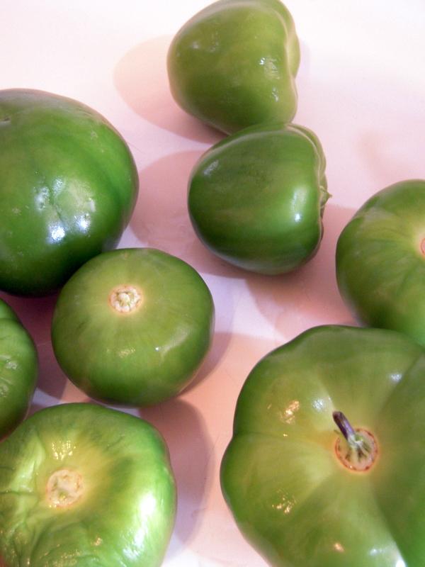 peeled and washed fresh tomatillos
