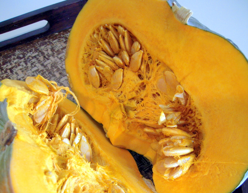 kabocha interior: remove seeds and stringy bits