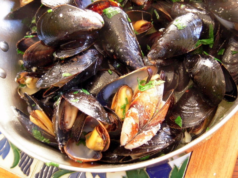 mussels in Chablis sauce
