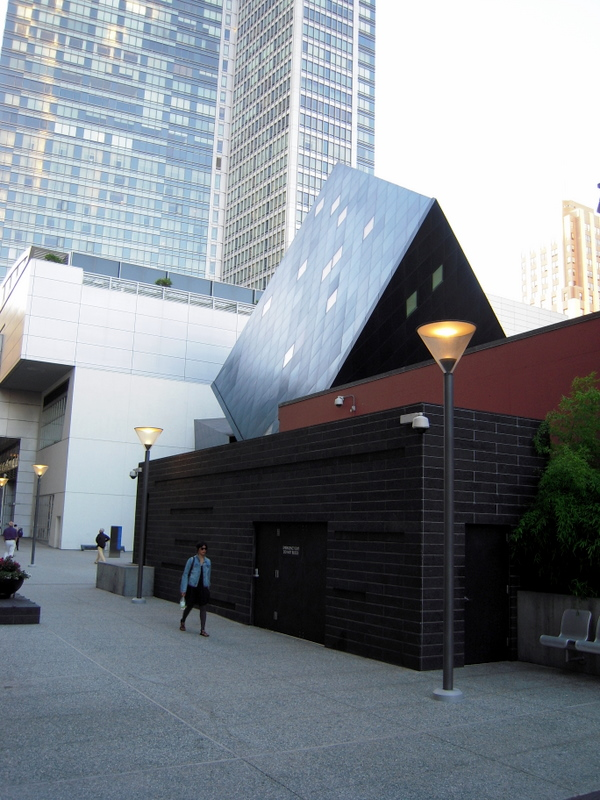 Contemporary Jewish Museum with the Four Seasons in the background
