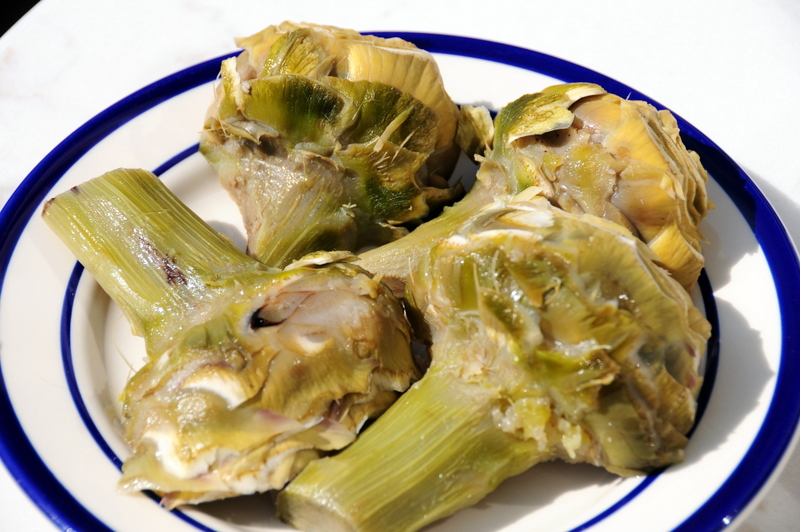how to clean and cut artichoke