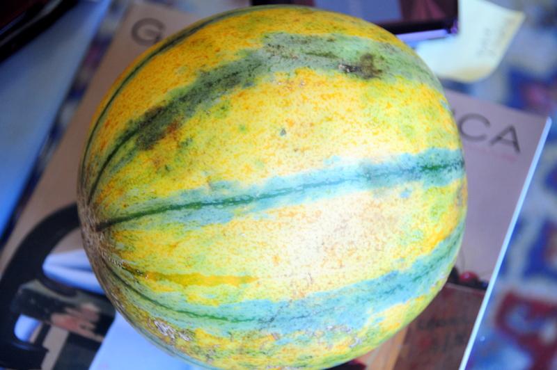 whole guava melon
