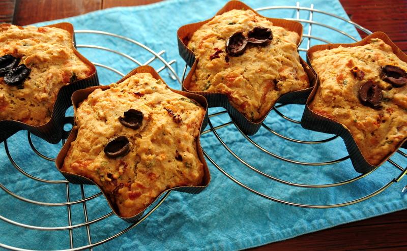 savory sundried tomato, basil, provolone and mozzarella mini-cakes
