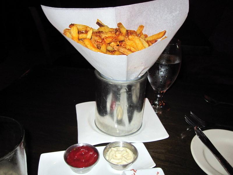 fun Soluna parmesan and paprika fries