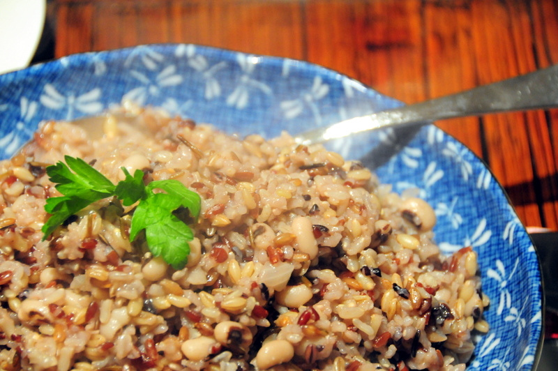 gen-ji-mai rice with black-eyed peas