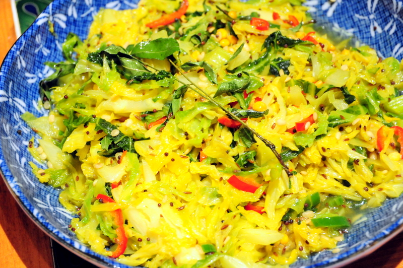 Savoy cabbage curry