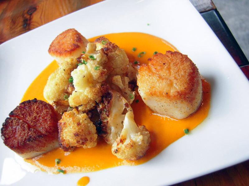 scallops, roasted cauliflower and salbitxada