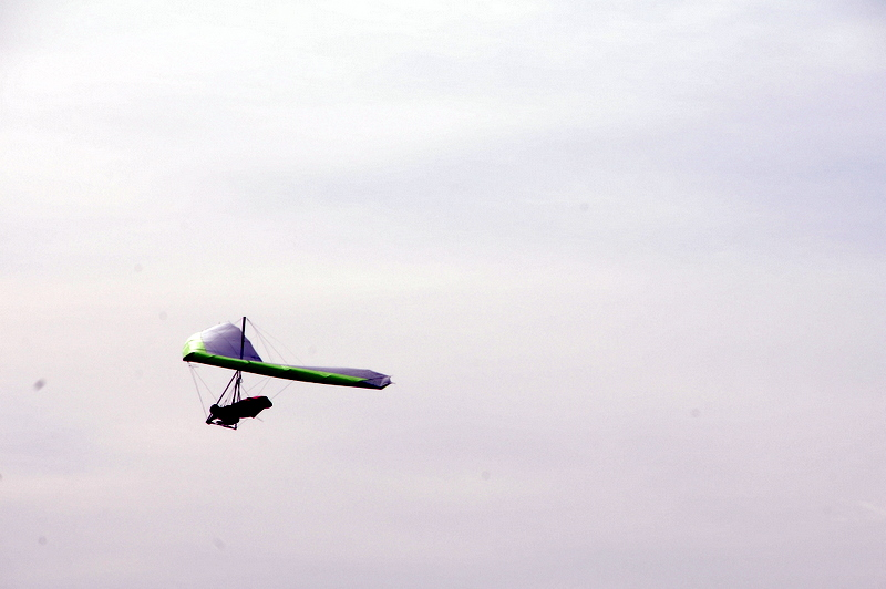 hang-gliding over the Pacific (4)