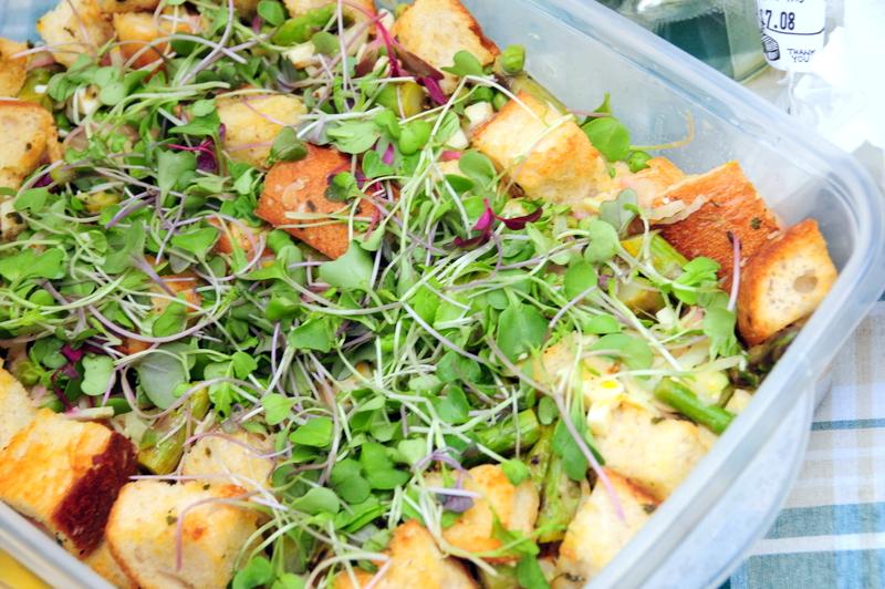 Fer's delicious asparagus panazanella