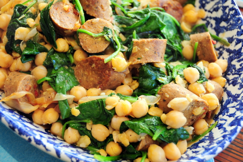 Spanish-style chickpeas with spinach and veggie sausage